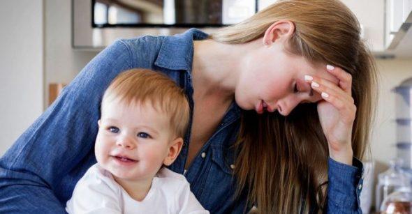 Sindromul impostorului la mame - ce este și cum poate fi remediat?
